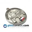 Medalla personalizada acabado plateado antiguo.