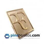 Pins de Oro Personalizados.