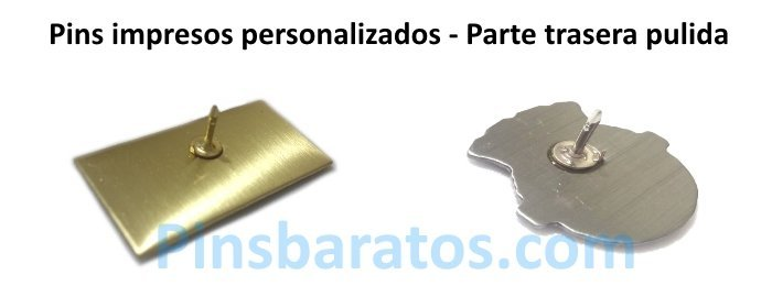 Pins personalizados impresos con forma del logo.